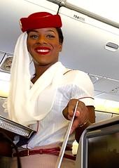 Azafata de Emirates, Dubai-Bangkok. (eustoquio.molina) Tags: girl mujer chica emirates stewardess azafata