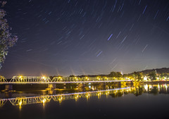 365-326 ( estatik ) Tags: 365326 365 326 october52016 oct 10516 weds wednesday star trails multiple long exposures bridge newhope pa pennsylvania nj newjersey lambertville hunterdoncounty delaware river free dark light lights joint commission reflection stream traffic