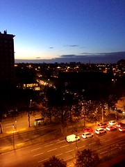 Le jour se lve.. Lille (fourmi_7) Tags: ville lille nord matin tt rue boulevard voitures vhicule trajet travail sky clouds twilight route outside work transport convey kicks city morning