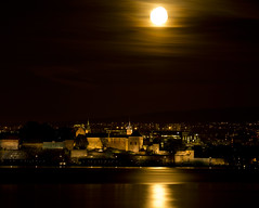 "Moon light (Vidar ""the Viking"" Ringstad, Norway) Tags: autumn fall cold moonshine moon fullmoon akershusfestning fortress historic old antic sky nightshot dark light water fjord sea brick naturepic natureshot canoneos5dmkiii oslo bygdy norge norway norwegen blurredwater"