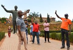 Posing with Madiba (Francisco Anzola) Tags: gauteng pretoria city unionhouses mandela madiba nelsonmandela statue people park