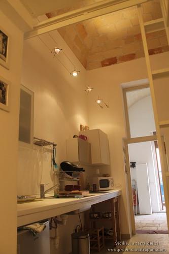 Trapani_Sicilia_occidentale_appartamento_La_Concoide_cucina_turismo_affitto_vacanze