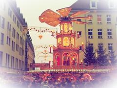 Weihnachtspyramide (1elf12) Tags: weihnachten xmas christmas pyramide dresden frauenkirche licht light germany deutschland