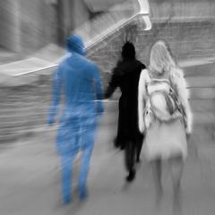 RIVAGES (zventure,) Tags: 20160911 pentaxk30 septembre2016 venice venise canaregio zventure pont noiretblanc nb bw blackandwhite zoom venisesept2016 trio trois bleu noir blanc
