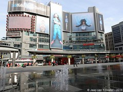 2016-10-26_77119 (Jaap van 't Ooster) Tags: canada ontario toronto dundassquare