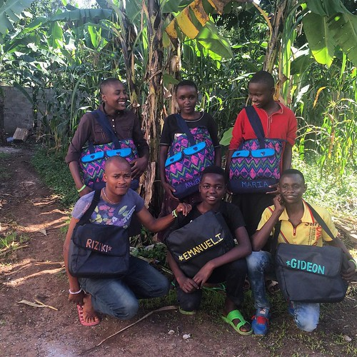 "The first official digitruck class with their new school bags, filled with school and hygiene supplies. #sponsorachild @arrowelectronics @hoopsofhope • <a style=""font-size:0.8em;"" href=""http://www.flickr.com/photos/59879797@N06/20483921559/"" target=""_blank"">View on Flickr</a>"