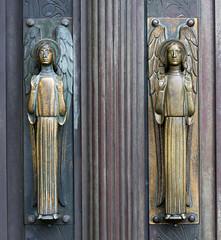 Portal (wpt1967) Tags: church angel kirche portal engel tr doof kirke canon50mm grandduchdeluxembourg groussherzogtumltzebuerg villedeluxembourg stadltzebuerg grosherzogtumluxemburg eos60d dstad wpt1967 kathedraleluxemburg kathedraleunsererliebenfrauvonluxemburg