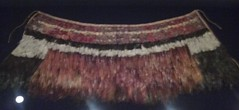 featherwork cape (sftrajan) Tags: sanfrancisco california deyoungmuseum museum feathers exhibit artmuseum royalhawaiian    mhdeyoungmuseum mhdeyoungmemorialmuseum royalhawaiianfeatherworknhulualii  hawaiianfeatherart