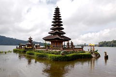 A176-D5-Temple Pura Ulundanu-05-05-2015 (UVLight_FM) Tags: bali temple pura indonesie ulundanu indouisme