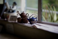Teapot (sydbad) Tags: cafe bokeh sony voigtlander teapot f18 lords heliar 75mm alienskin sonya7 ilce7
