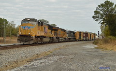 UP 5204 leads NS Train 363 in Silver Creek, GA (RedneckRailfan610) Tags: ns up up5204 sd70m