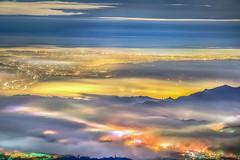 武岫農圃 (bibi.barbie) Tags: taiwan 南投縣 鹿谷鄉 大崙山 武岫農圃 夕陽 雲彩 雲海 天空 風景