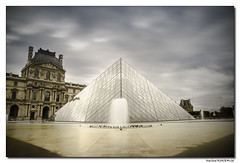 La pyramide du Louvre - Paris (Maryline ROHER) Tags: pyramide louvre paris musée pyramidedulouvre