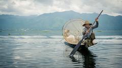 Inle Lake (Channed) Tags: asia azi birma burma inlaylake inlelake myanmar shan myanmarbirma fisherman fishing lake meer boat boot channedimages chantalnederstigt