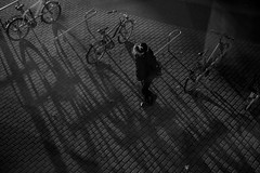 3:17PM (Amselchen) Tags: mono bw lightandshadow light shadow fuji fujinon fujifilm pancake people city street duisburg germany bike bicycle vehicle xt2 fujixt2 xf27mmf28 acros