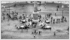 Roma / Rome; Piazza Del Popolo (drasphotography) Tags: roma rome italia italy italien piazza del popolo monochrome monochromatic monotone blackandwhite bw bianconero bn schwarzweis sw travel travelphotography reise reisefotografie nikond7000 d7k nikon drasphotography piazzadelpopolo