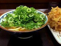 Curry udon from Marugame Seimen @ Roppongi (Fuyuhiko) Tags: curry udon from marugame seimen roppongi うどん カレー 丸亀製麺 tokyo 東京