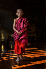 MG_5985_le-18_04_2016_wat-thail-wattanaram-maesot-thailande-christophe-cochez-w (christophe cochez) Tags: thailand thailande maesot watthailwattanaram monk bonze myawadyy myanmar burma burmes birman birmanie religion travel voyage asie asia asian bouddhiste bouddhisme buddhist buddhism