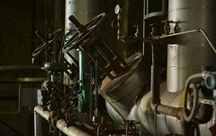 Main Steam Turn On (Mike.Geiger.ca (Myke)) Tags: ontario canada industry windmill industrial factory ottawa pipes tube pipe insulation steam chain valve pressure valves heating boiler vapour papermill domtar ebeddy zibi pm10 pressurized paperpress chaudierefalls pm11 ottawamill