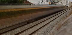 O comboio das 5 (Viagens5) Tags: lines train photography nikon comboio perspectiv refer baixadabanheira longasexposioessetembro2015