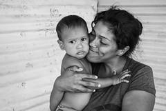 Retratos de Esperanza (nahuelbuy) Tags: people portrait retratos esperanza hope love amor mom madre hijo son