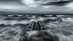 Le onde dell'Adriatico (Callegher Marco - The beauty in my eyes) Tags: waves onde wave rough sea seascape mare blackwhite biancoenero bw spiaggia pontile duna verde caorle italy sky clouds storm