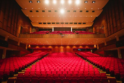 The auditorium with best acoustics in Hong Kong, IMHO, Tsuen Wan Town Hall  #hongkong #discoverhongkong #hkig #lifeiseatplaylove #travelgram #captchina #architecture #lifestyle #leica #21mm #wideangle #archilovers  #musicians #shoot2kill #igmasters #peopl