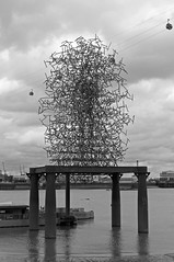 The Quantum Cloud (D_Alexander) Tags: uk england london southlondon southeastlondon northgreenwichpeninsula thamespath thequantumcloud antonygormley blackandwhitephotography
