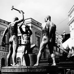 Iron force. #bn #bnw #monocrome #monochrome #lumixlx100 #forgia #forgiato #maniscalco #forgiare #iron #ferro #metallo #fer #incudine #martello #mazza #hamer #helsinki #suomi #finland #finlande (acid_nam) Tags: blacksmiths blacksmith fabbri fabbro forge iron baltico baltic suomi blancetnoir blackandwhite biancoenero bnw bn finlandia finland arte scultura incudine forgia get ferro helsinki instagramapp square squareformat