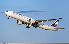 Boeing 777-300 Air France F-GZNI (Clément W. - Jet 4U Aviation Photography) Tags: boeing 777300 air france fgzni