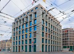Credit Suisse-3534 (carolinanegel@gmail.com) Tags: bank banques genève architecturalphotography architecture city cityscape geneva glass urban urbex