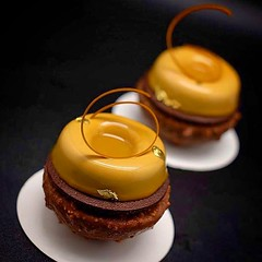 Ready for my class in México at @maricuortiz @cacmaricu next Monday, here is one of the desserts that I will make: Milk chocolate Apricot petit gateaux #bachour #bachourclass