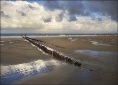 NIEUWVLIET 07F (BAUWENS RENE) Tags: nieuwvliet nederland holland paysbas zeeuwsvlaanderen strand plage beach nikfilter nikon p7800 noordzee merdunord terneuzen wolken clouds nuages