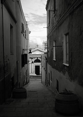 (Vindeca Raine) Tags: photography italy sardegna cagliari alleys blackwhite