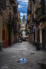 Palermo (allabar8769) Tags: balcones calle iglesia italia palermo reflejos sicilia