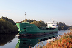 'Arklow Ruler' Cadishead 15th October 2015 (John Eyres) Tags: park for wharf passing ruler arklow eccles irwell manchestershipcanal emr inbound cadishead 151015