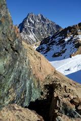 Serpentine and Mt Stuart (Sean Munson) Tags: snow mountains macro rock washington bokeh hiking stuart nationalforest serpentine alpinelakeswilderness mtstuart mountstuart alpinelakeswildernessarea ingallswaytrail ingallsway okanoganwenatcheenationalforest trail1360 ingallswaytrail1360