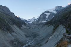 Zicht op Glacier de Zinal vanaf Cabane du Petit Mountet (Inklaar) Tags: fujifilmx100 wallis zinal inklaar:see=all valdezinal glacierdezinal valdanniviers cabanedupetitmountet gletsjer zwitserland schweiz suisse svizra svizzera switzerland valais x100 ferner ghiacciaio glacier gletscher ch