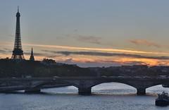 low light (lgh75) Tags: theparisphotographymeetupgroup paris sunset couchdesoleil bridge pontalexandreiii pont twilight toureiffel seine
