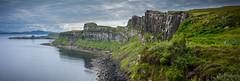 Kilt Rock Cliffs, Isle of Skye, Scotland (vonHabsburg) Tags: scotland schottland kiltrock kiltrockcliffs kiltrockklippen isleofskye skye clouds wolken sea meer ozean ocean green grn high hoch wasser water felsen rocks viewpoint aussichtspunkt regen rain