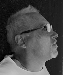 Me again (ksvala) Tags: portrait portrtt blackandwhite monochrome svartvitt grafic grafisk profile