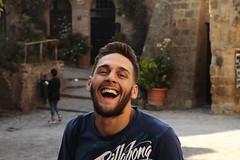 super smile (Melchiorre Gioia) Tags: persone allaperto openspace smile sorriso portrait happiness people sun emozioni emozione fun happy