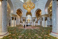 Abu Dhabi - Sheikh Zayed Grand Mosque (7) (Karsten Gieselmann) Tags: 714mmf28 abudhabi architektur asien em5markii exposurefusion farbe gold grün mzuiko microfourthirds olympus reise rot sakralbauten sheikhzayedgrandmosque vae weis architecture color golden green kgiesel m43 mft red travel white vereinigtearabischeemirate photomatix