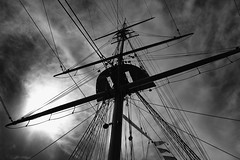 Riggin' (6079 Jones,P) Tags: canonefs1855mmiii portsmouth hampshire historic dockyard img4738 hms warrior 1860 mast boat ship rope sail pulley blackandwhite monochrome clouds sky contrast canon eos 1200d
