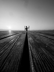 To the world you are just one person... (Thomas Leuthard) Tags: thomasleuthard streetfotografie