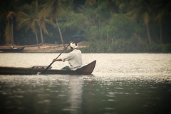Boatman - 3 (Atul Sabnis) Tags: atul sabnis kochi kerala kl india boat water boatman backw backwaters canoe flickr