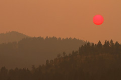 Wyoming (Elliotphotos) Tags: red sun evening dusk smoke sunsets wyoming elliot sets wildfire wildfires redsun gilfix elliotphotos elliotgilfix