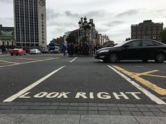 Look Right - Linksverkehr (wuestenigel) Tags: auto dublin look car pub culture right irland verkehr recht aussehen strase irlger