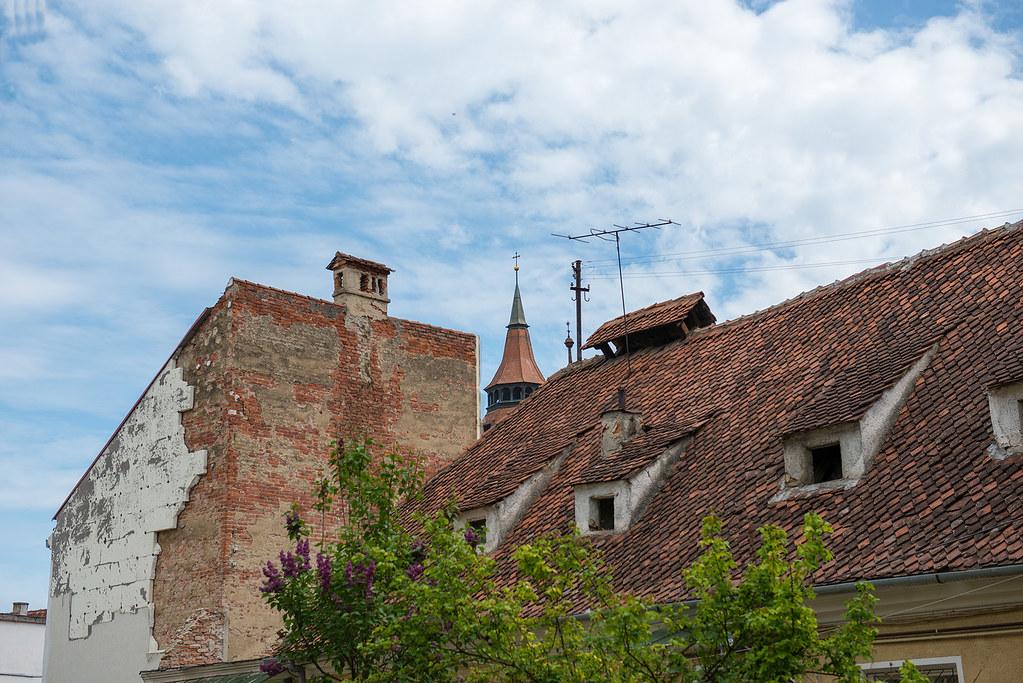 фото: Roof and sky. Brasov, Romania