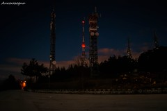 Roio (Aurorasogna Mila) Tags: antenne antennas transmitter notte night paesaggio panorama landscapes landscape luce luci light lights stelle stars stella star aurorasogna reflex sony alpha290 flickr followme laquila aq abruzzo roio italia italy